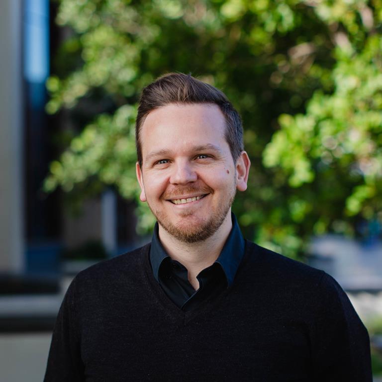 Dr Aaron Davis