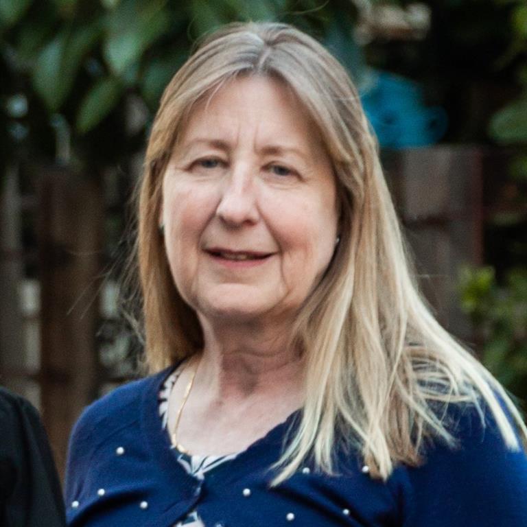 Dr Debbie Faulkner