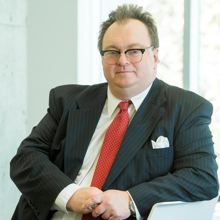Dr Gerry Treuren