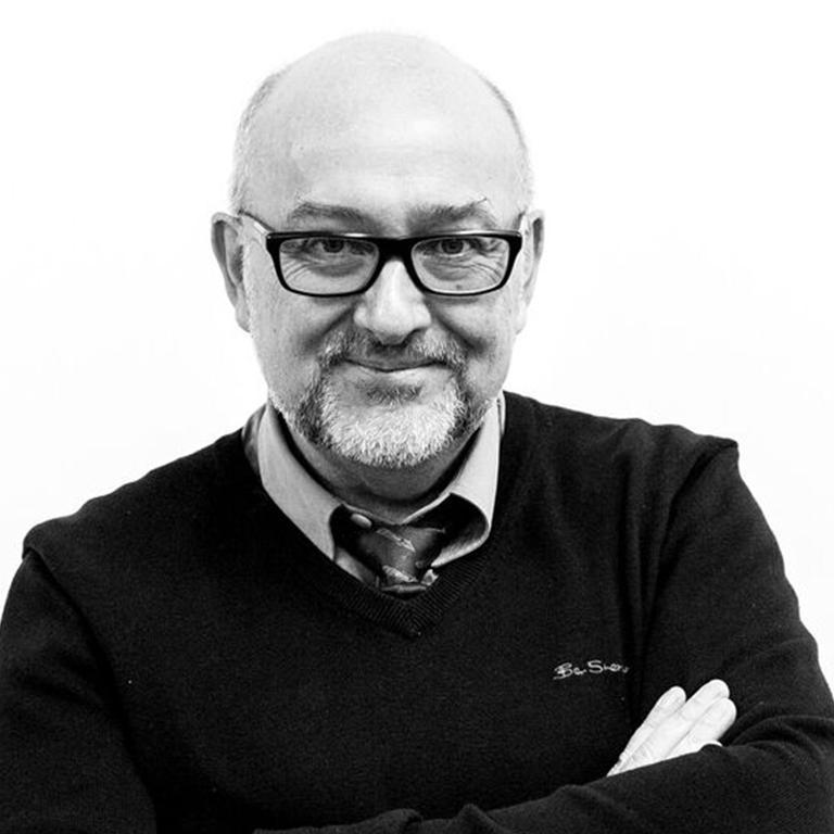 Professor Ian Gwilt