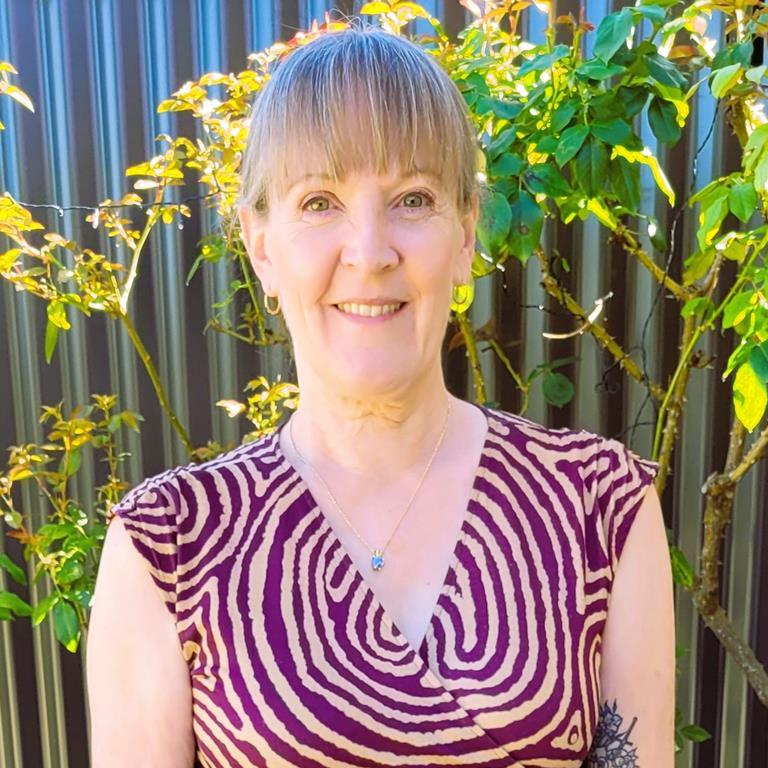 Dr Kate Rhodes