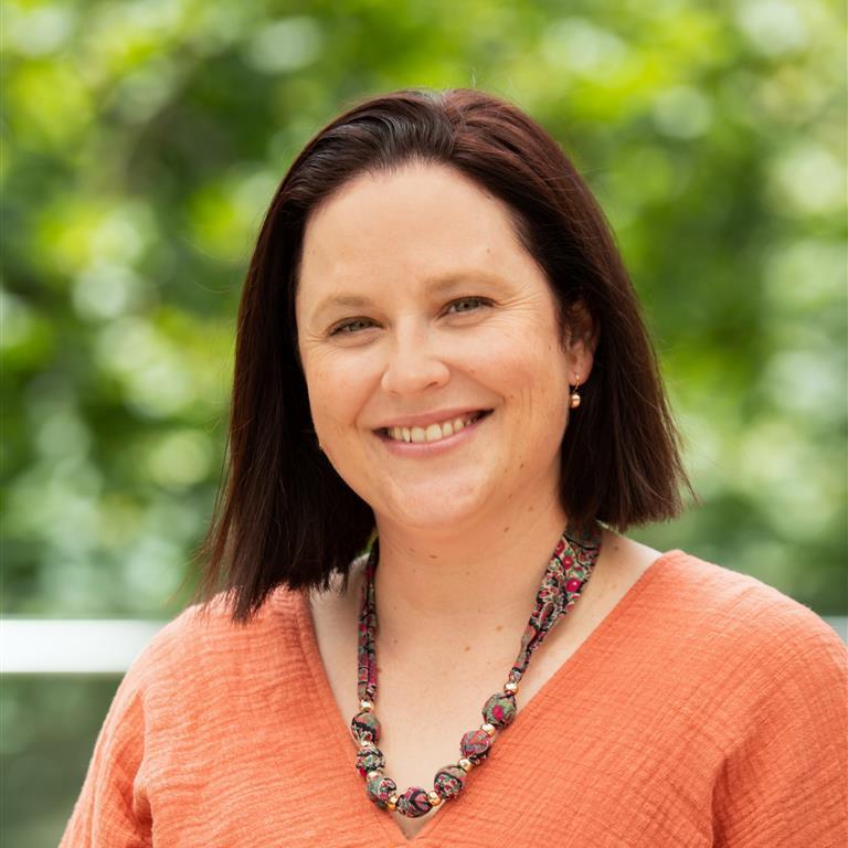 Ms Kim Gibson