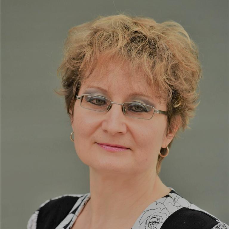Associate Professor Larisa Bobrovskaya