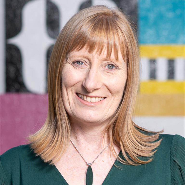 Dr Margaret Faulkner