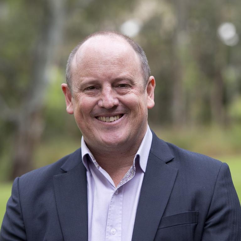Associate Professor Simon Leonard
