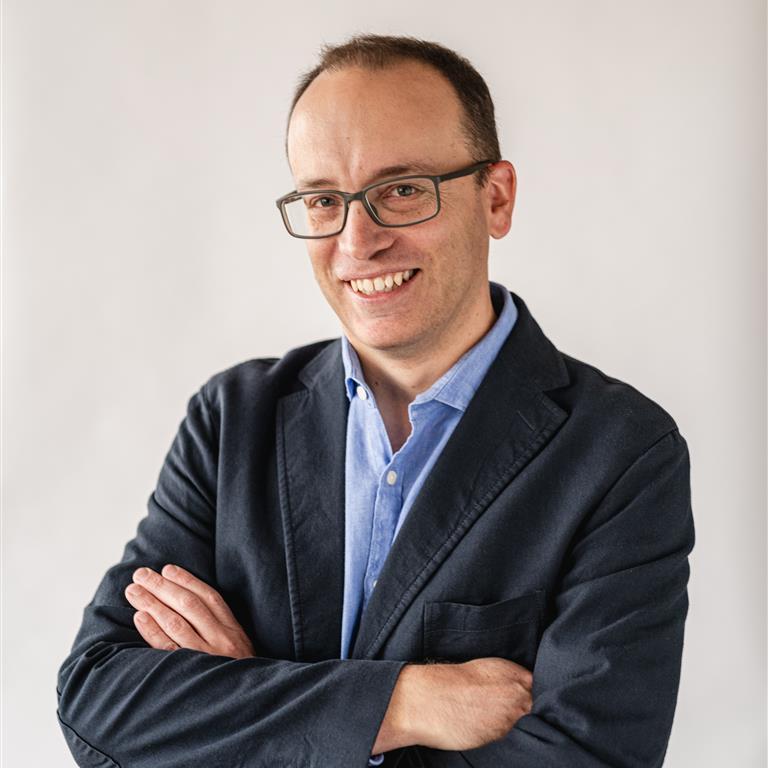 Associate Professor Tobias Loetscher