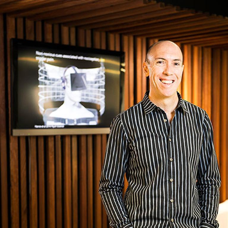 Prof. Lorimer Moseley